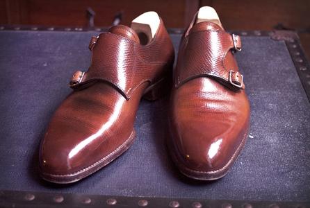 Shoe polish standard